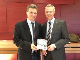 wiwe unterwegs, wiwe Vorstand Gernot Hein trifft Staatssekretär Bernd Sibler